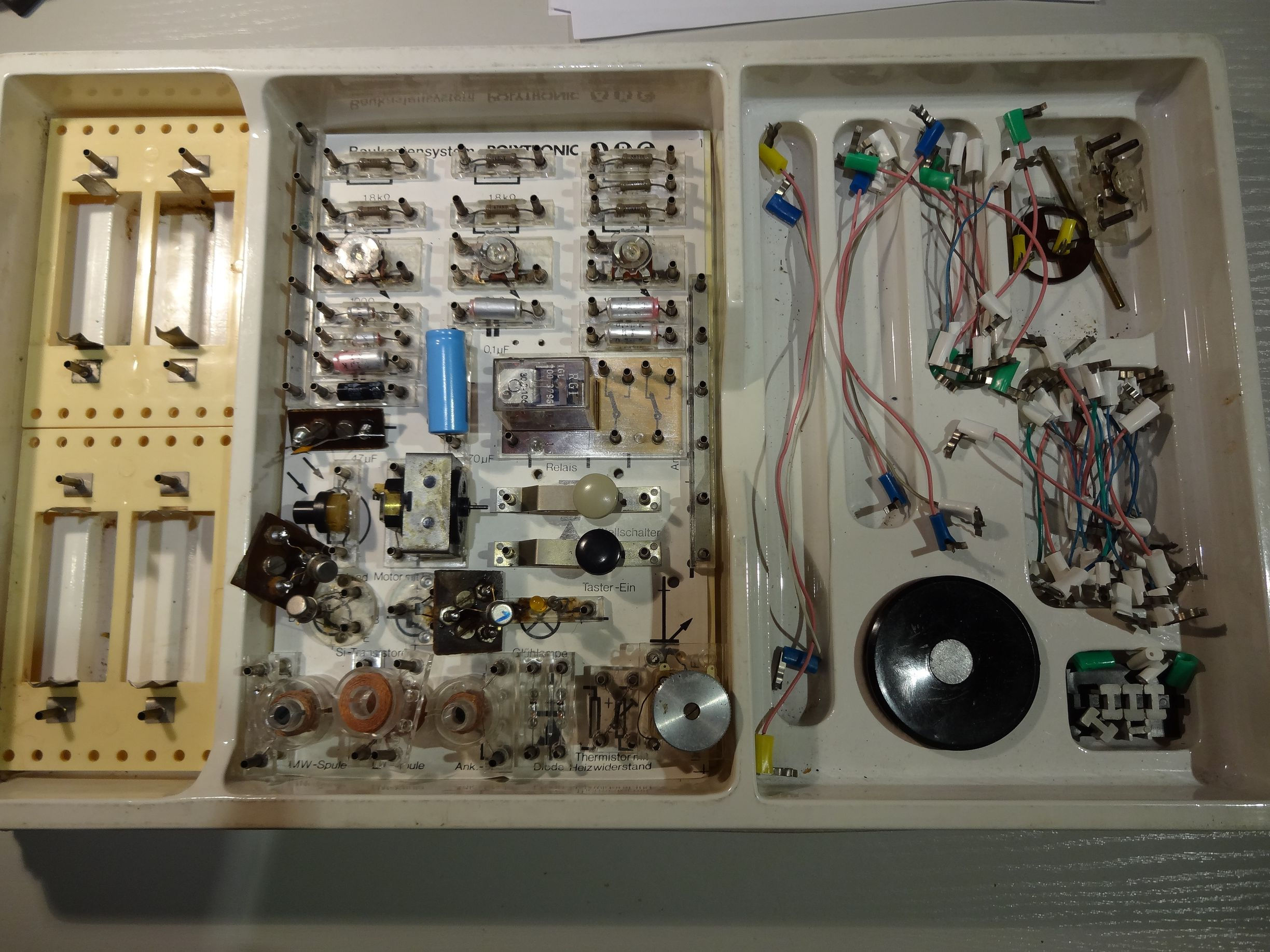 Selfclue Old Memories Electronics Kit And A New Contest Electronic Circuit Kits For Schools The Cables
